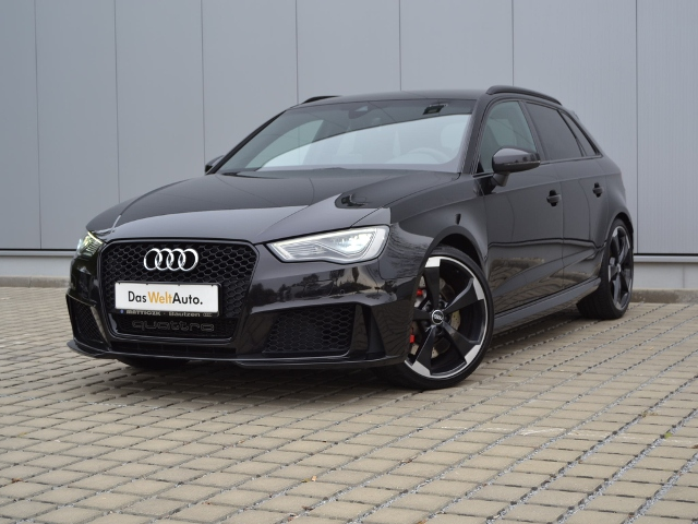 Audi RS3 Sportback 2.5 TFSI quattro S-tronic VOLL/DES, Jahr 2015, petrol
