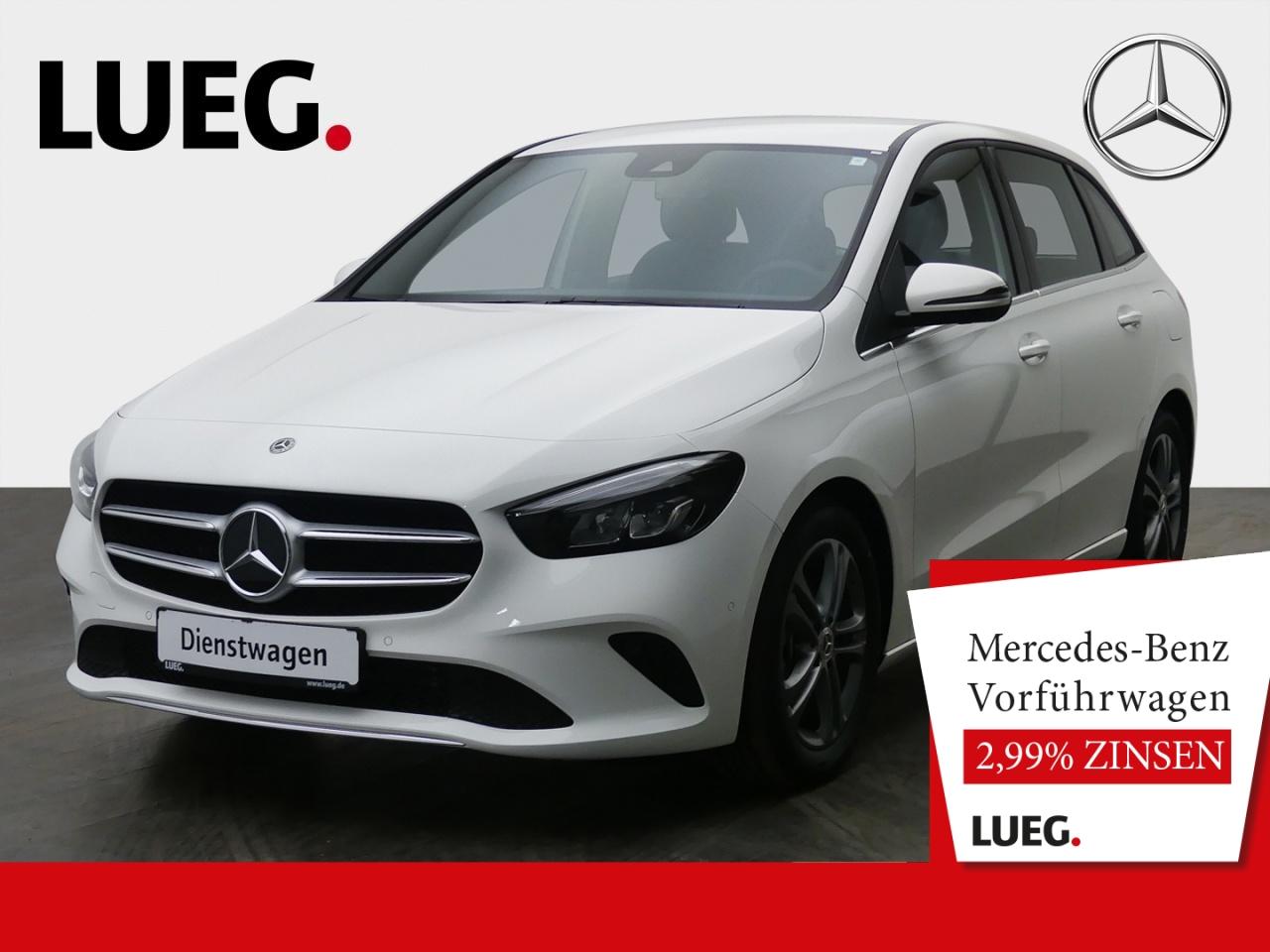 Mercedes-Benz B 180 d STYLE+17''+TOTW+KAMERA+LED+PTS+DAB+NP44T, Jahr 2021, Diesel