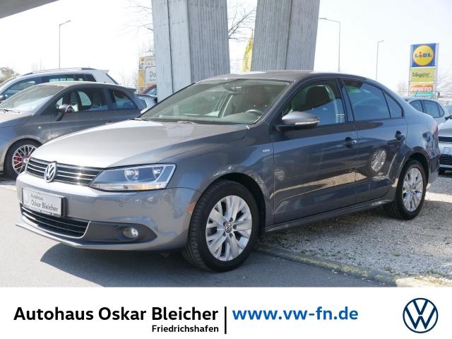 Volkswagen Jetta VI Life 1.4 TSI Klimaauto. Parks. Regensensor, Jahr 2013, Benzin