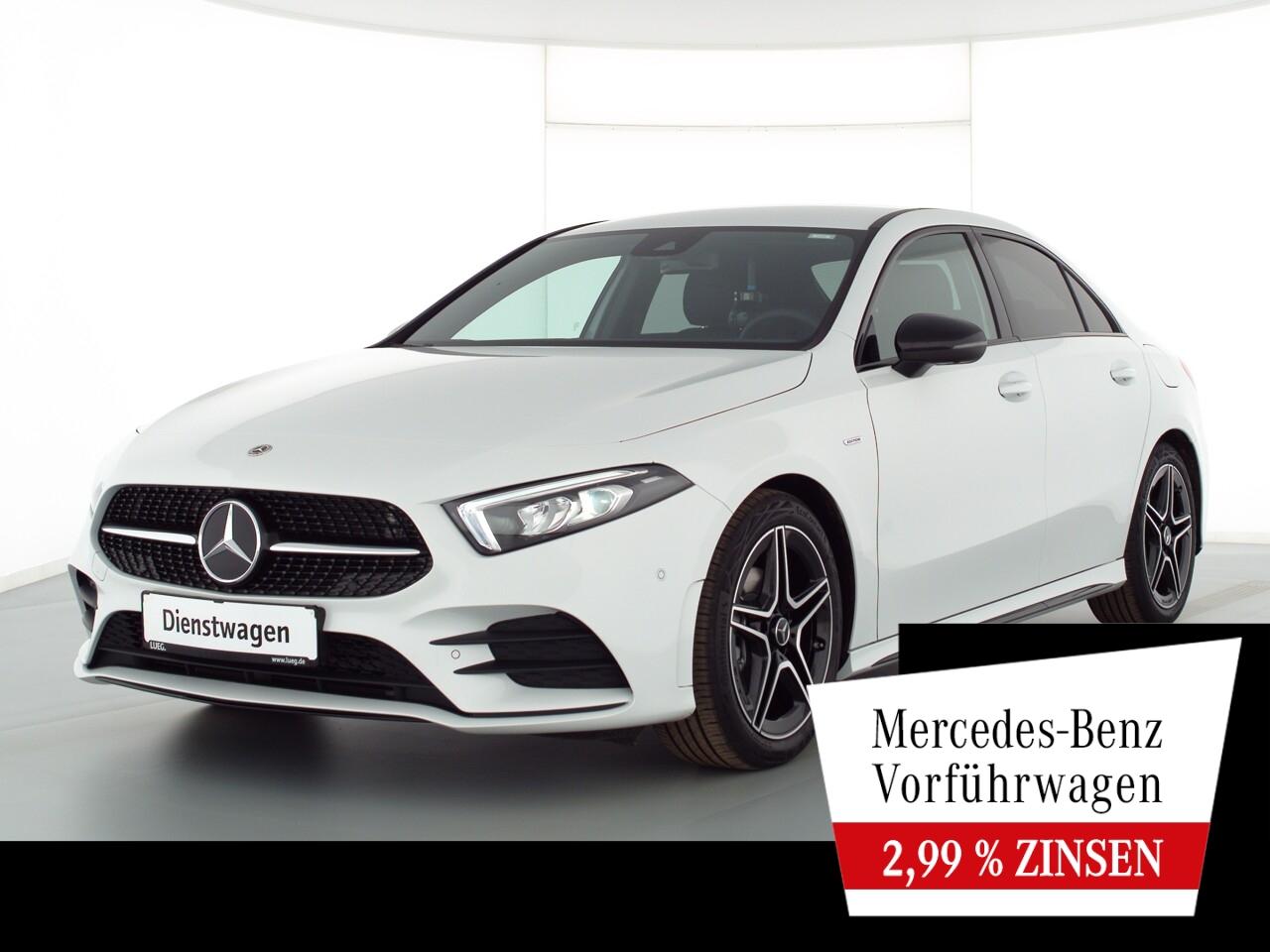 Mercedes-Benz A 180 Lim EDITION2020+AMG+NIGHT+AHK+360°+TOTW., Jahr 2021, Benzin