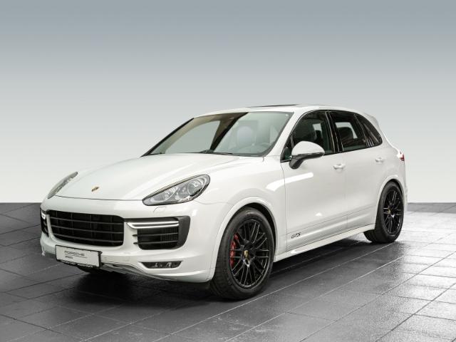 Porsche Cayenne GTS Luftfederung Panoramadach BOSE, Jahr 2016, Benzin