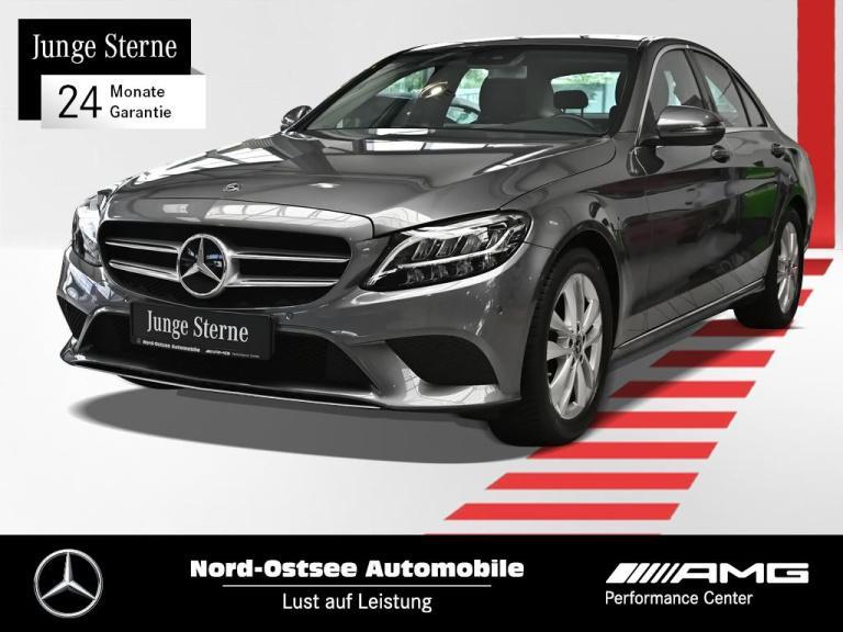 Mercedes-Benz C 180 d Avantgarde AHK Kamera Sitzheizung LED, Jahr 2019, Diesel
