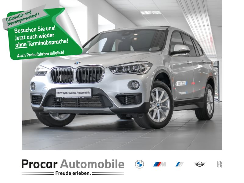 BMW X1 xDrive20i Pano LED Navi Memory Sitz Dachhimmel anthrazit, Jahr 2018, Benzin