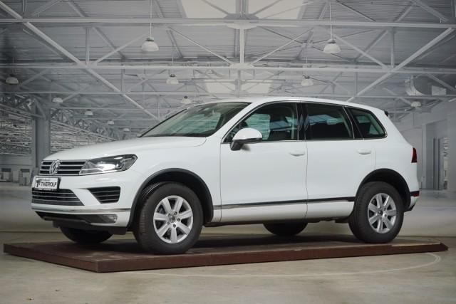 Volkswagen Touareg 3,0 l TDI V6 Navi Bi-Xenon Klima DAB, Jahr 2015, Diesel