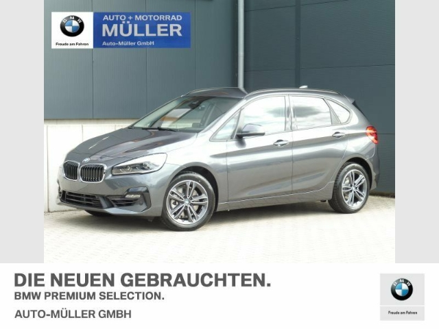 BMW 220 Active Tourer i A Sport Line Head-Up HiFi, Jahr 2020, Benzin