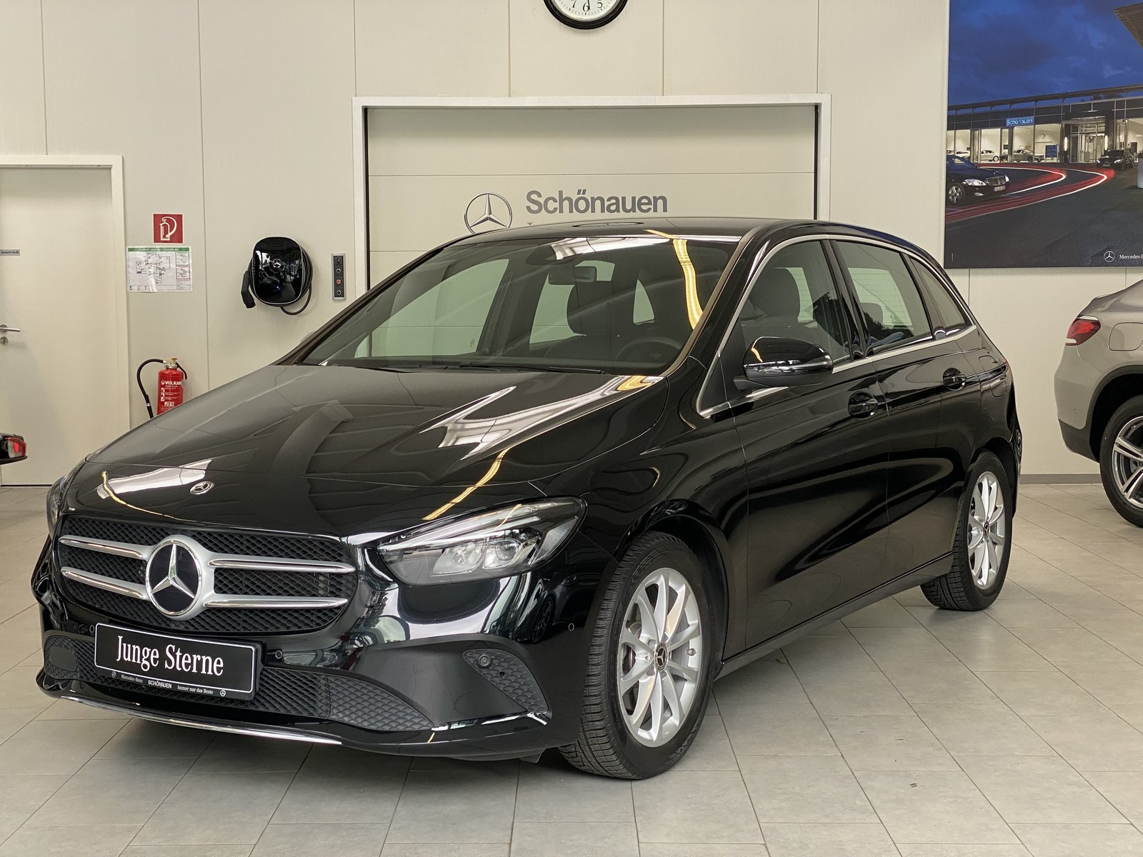 Mercedes-Benz B 180 PROGRESSIVE+LED+MBUX+NAVI PREMIUM+SPURAS., Jahr 2019, Benzin