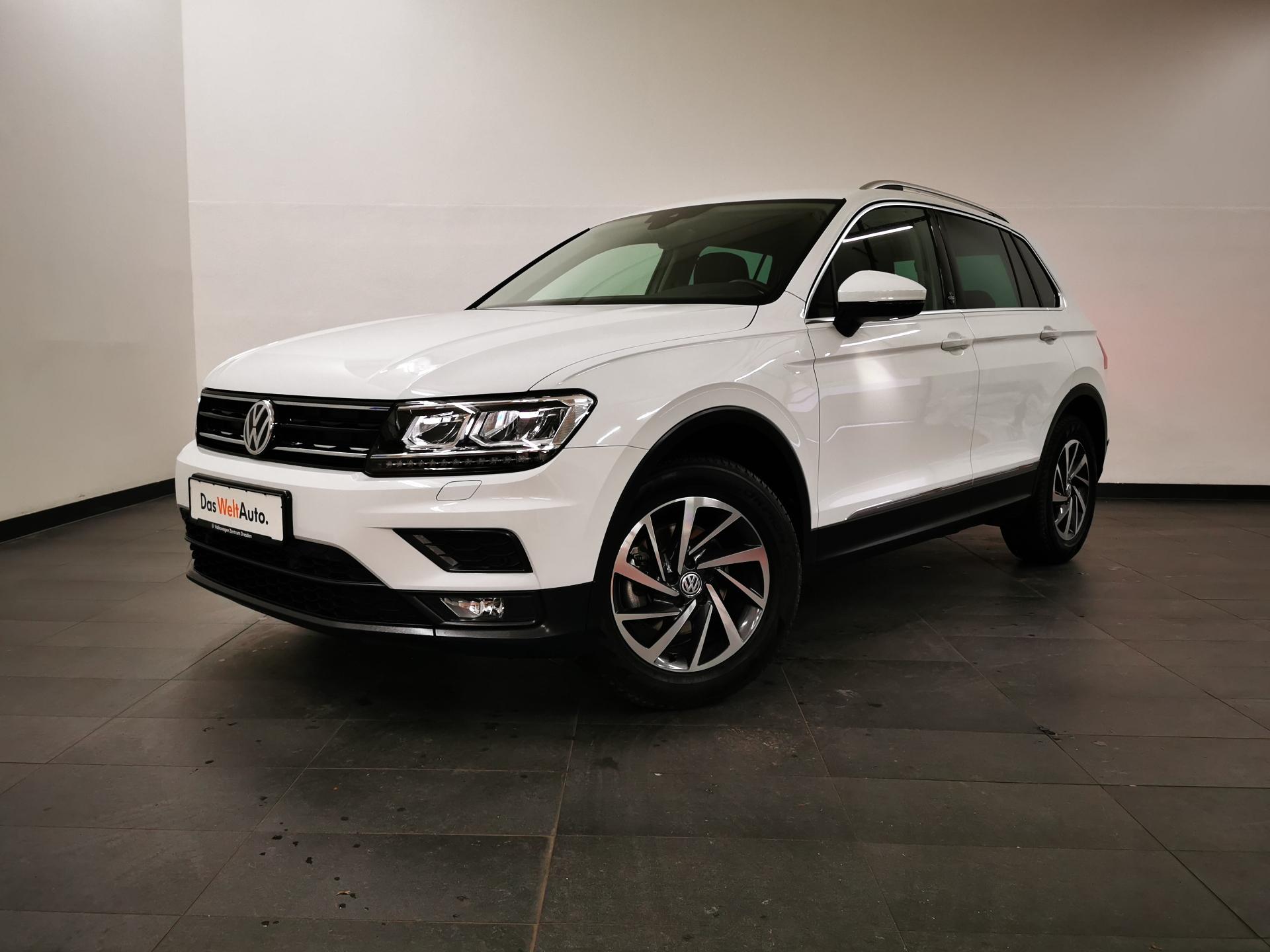 Volkswagen Tiguan Sound DSG LED NAVI SHZ ACC ab 2,99%, Jahr 2017, Benzin