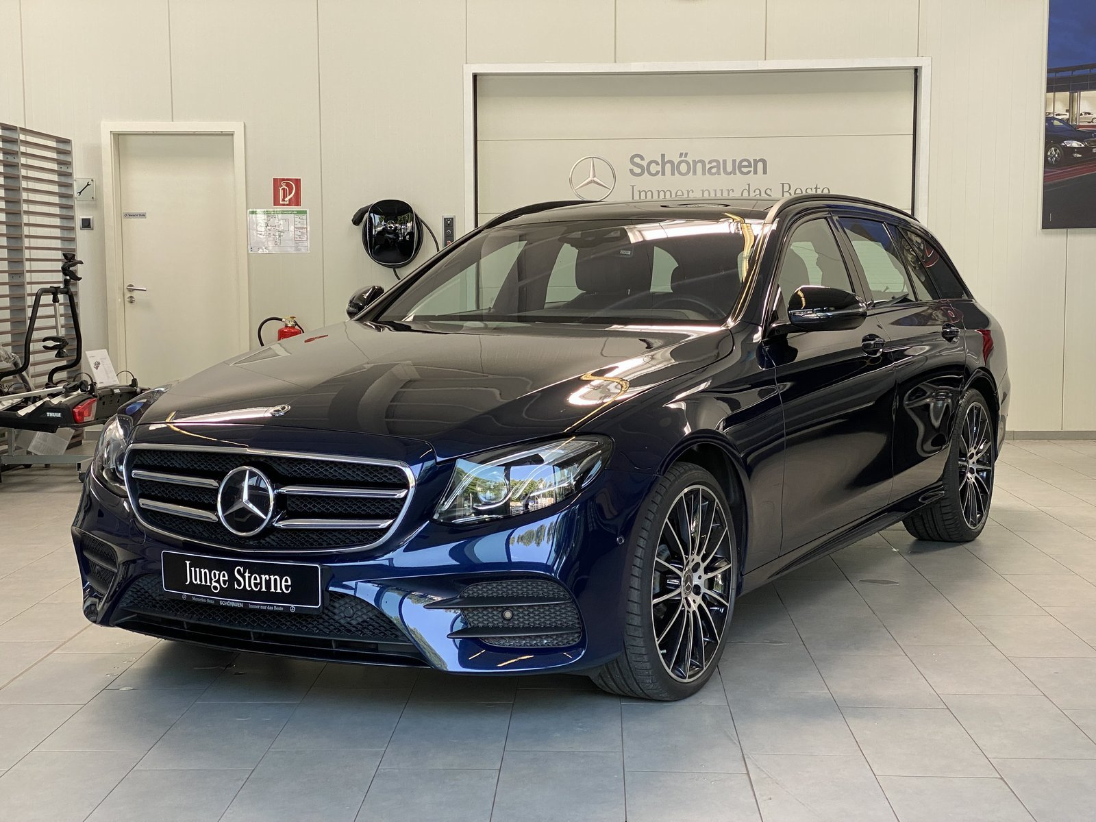 Mercedes-Benz E 400d 4M AMG+AIRBODY+PANO+BURMS+AHK+HUD+DAB+20, Jahr 2019, Diesel