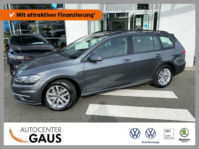 Volkswagen Golf VII Var. Comfortline 1.5 TSI DSG LED Navi, Jahr 2020, Benzin