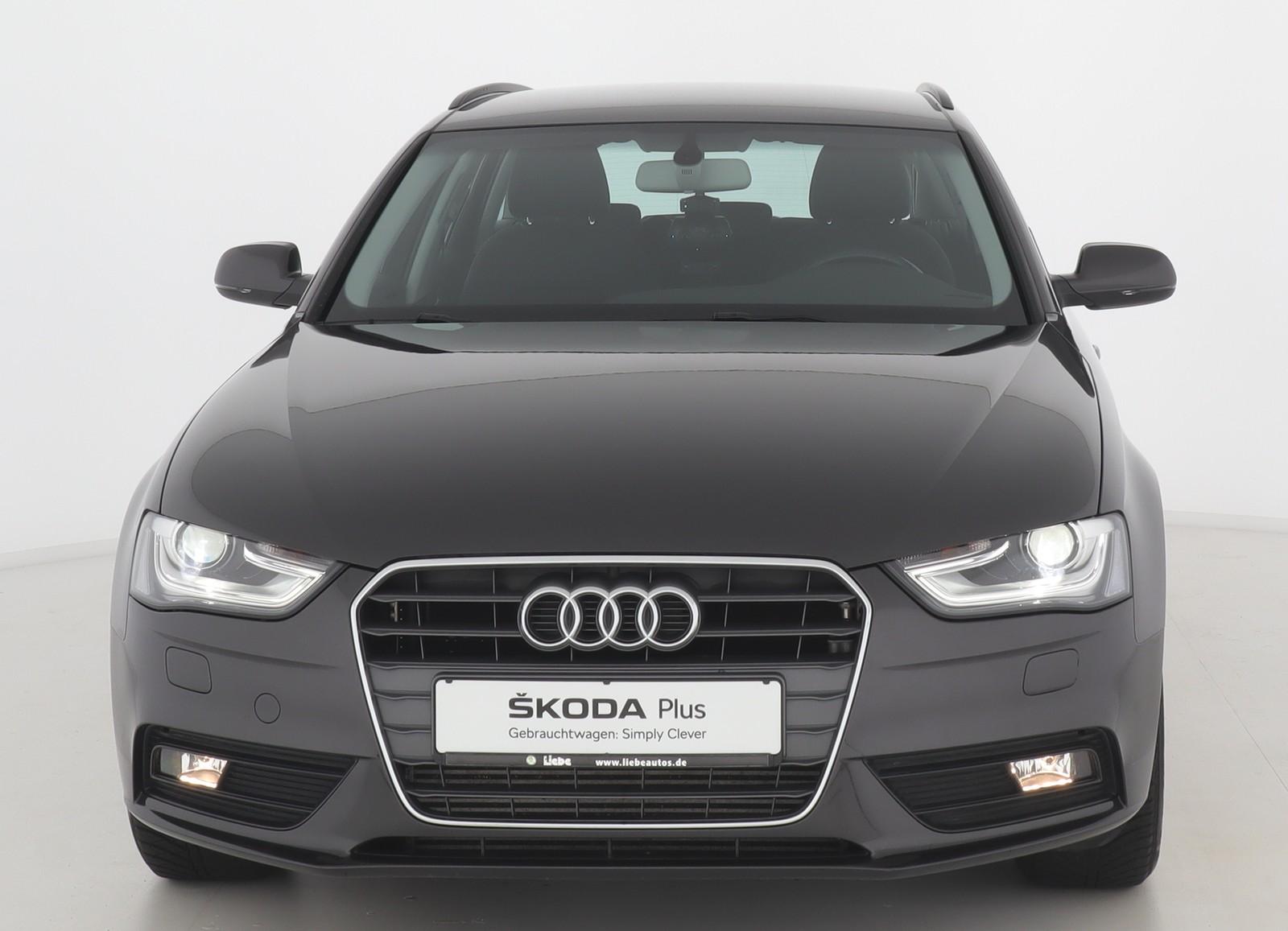 Audi A4 AVANT AMBIENTE BI-XENON|SHZ|PDC|TEMPOMAT, Jahr 2013, Benzin