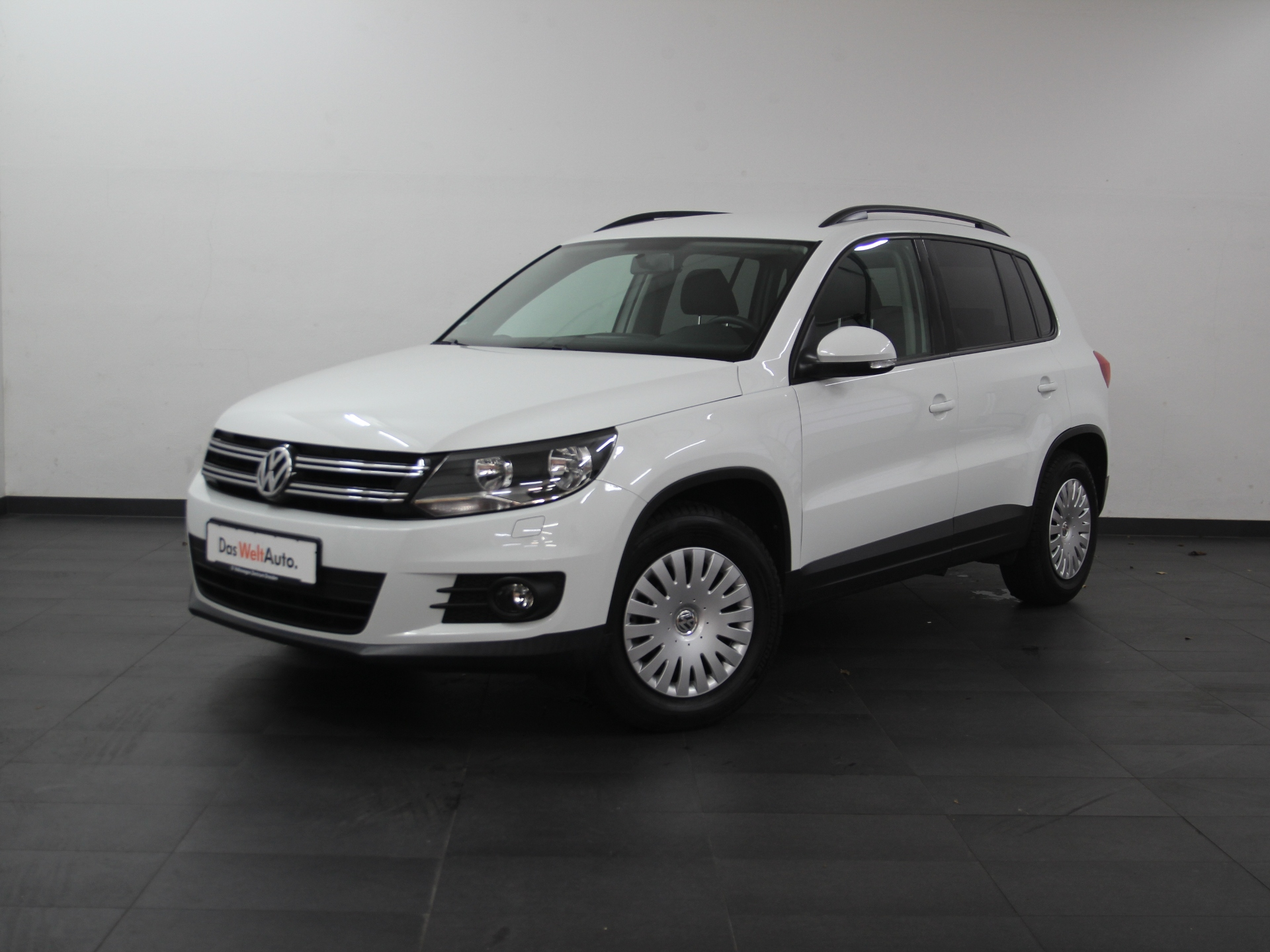 Volkswagen Tiguan Trend & Fun NAVI GRA SHZ PDC ab 2,99%, Jahr 2015, Benzin