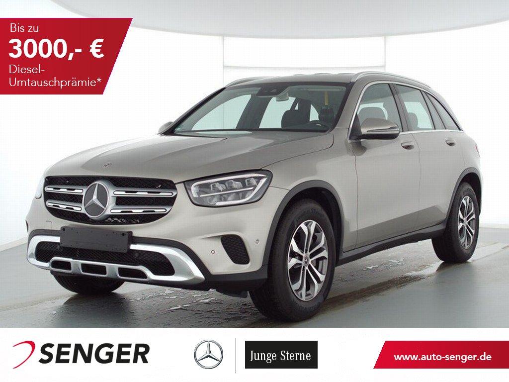 Mercedes-Benz GLC 200 4M+BUSINESS+AHK+SPIEGEL-P+EASY-PACK-HK+, Jahr 2020, Benzin