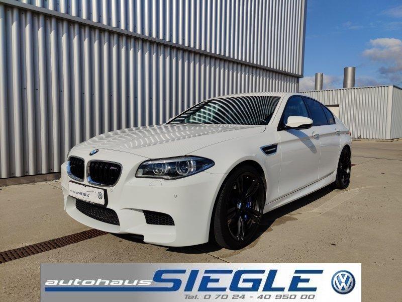 BMW M5 DKG Comp HeadUp*Connect*Komf.zug*Assist, Jahr 2015, Benzin