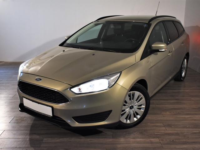 Ford Focus 1.0 ECO BOOST PDC HINTEN COOL&SOUND PAKET, Jahr 2015, Benzin