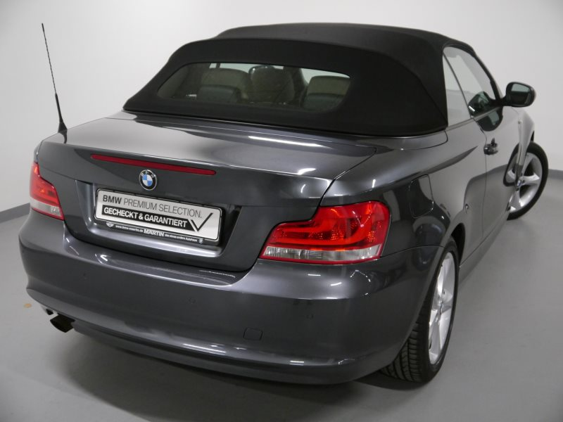 BMW 118i Cabrio *Tempomat*USB*Klimaaut.*Shz*PDC*, Jahr 2013, Benzin