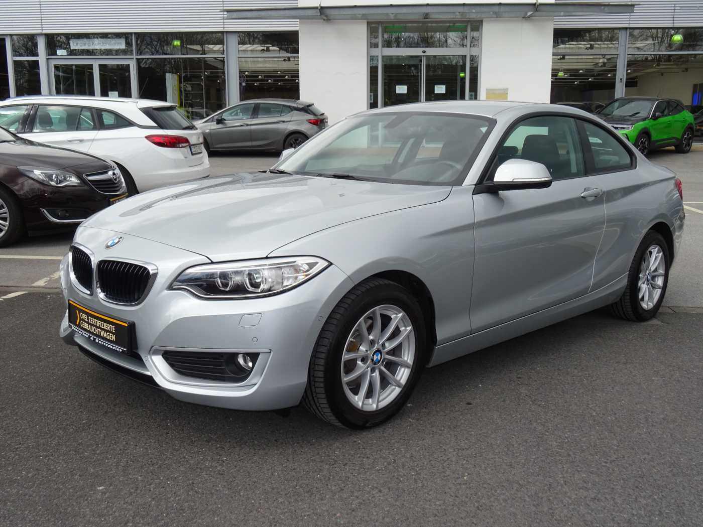 BMW 218i Coupe Advantage AT KLIMA SITZHEIZUNG PARKPILOT, Jahr 2015, Benzin
