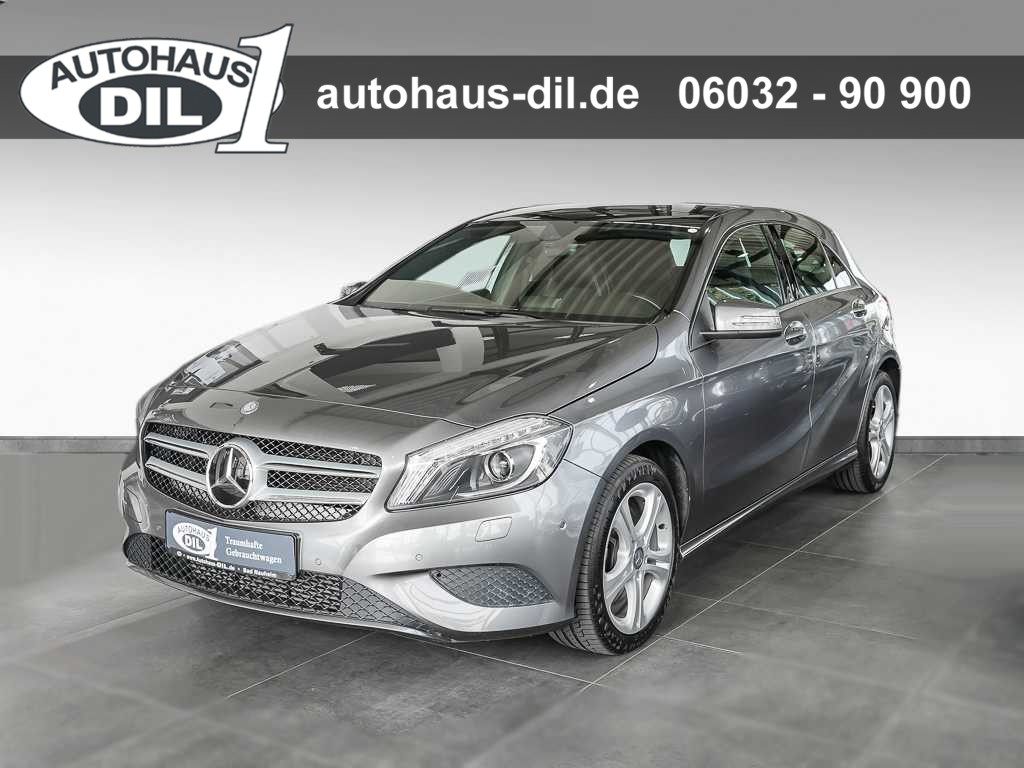 Mercedes-Benz A 250 (BlueEFF.) 7G *Panorama*Bi-Xenon*Parkass.*, Jahr 2014, Benzin