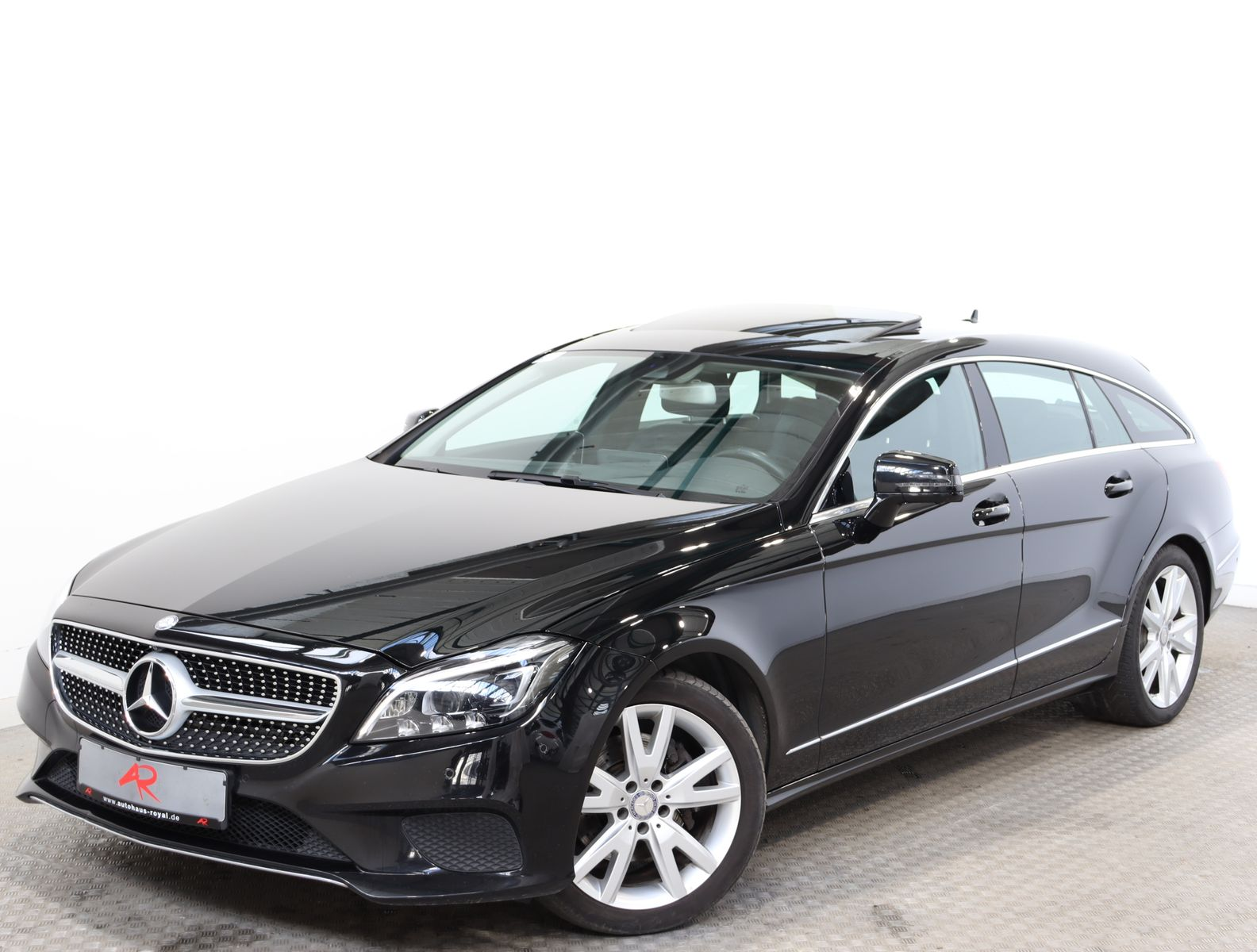 Mercedes-Benz CLS 350 Shooting Brake d 360GRAD,MULTIBEAM,1.HD, Jahr 2016, Diesel