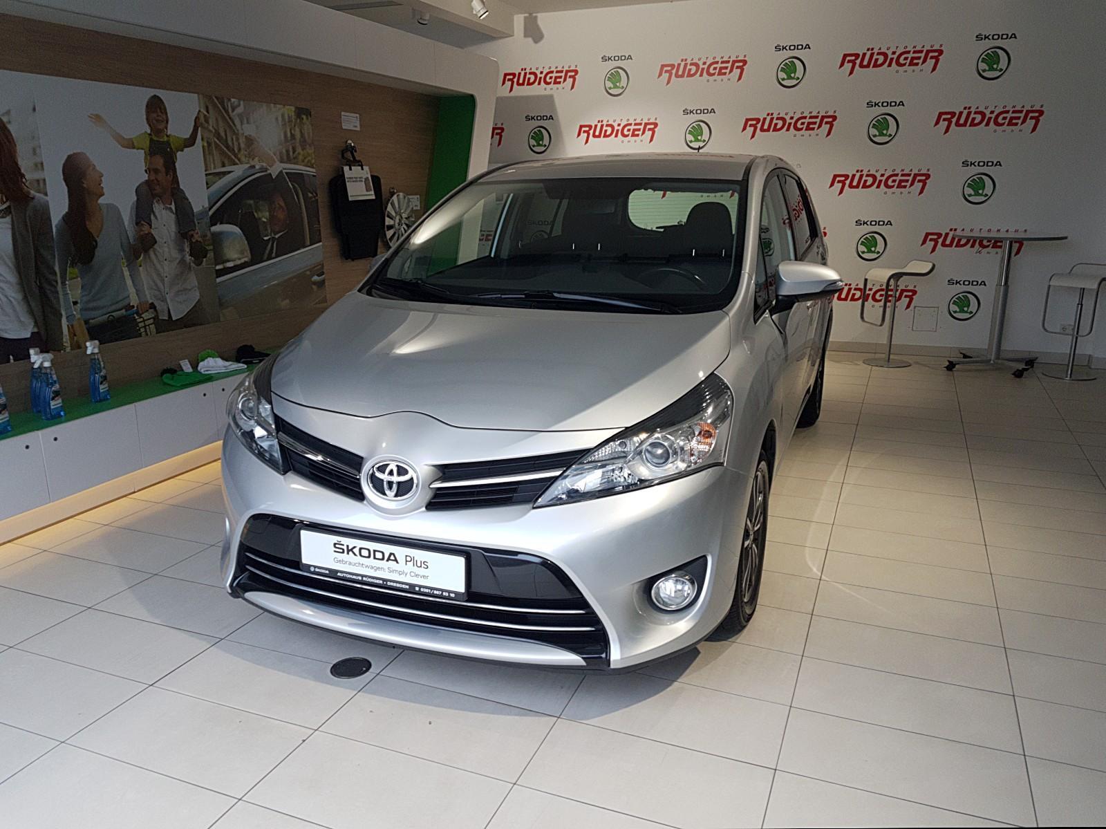 Toyota Verso 1.8 Comfort Navi, Jahr 2015, Benzin