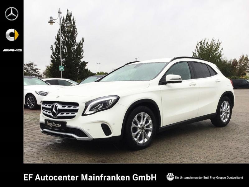 Mercedes-Benz GLA 220 d 7G Style+Navi+LED+ParkAssist+Sitzhzg, Jahr 2017, diesel