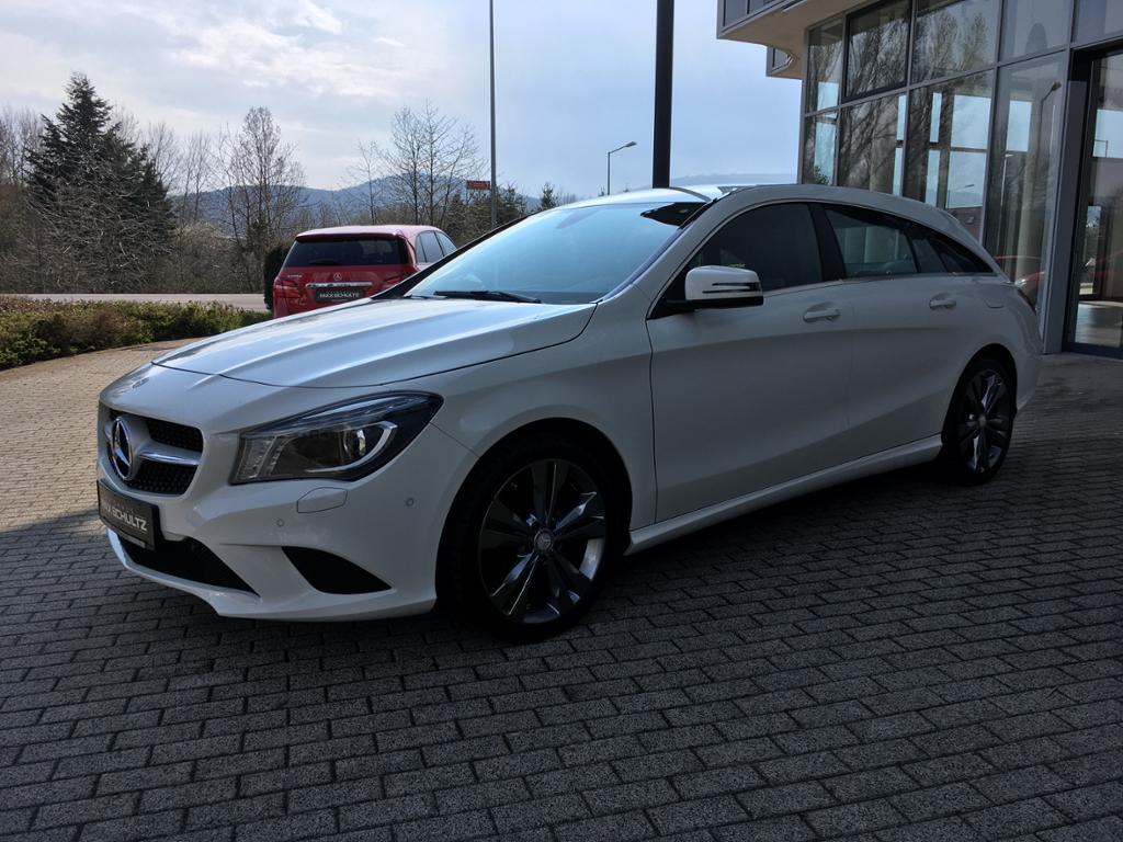 Mercedes-Benz CLA 180 SB *PDC*Sitzheizung*Freisprech*Xenon*, Jahr 2015, Benzin