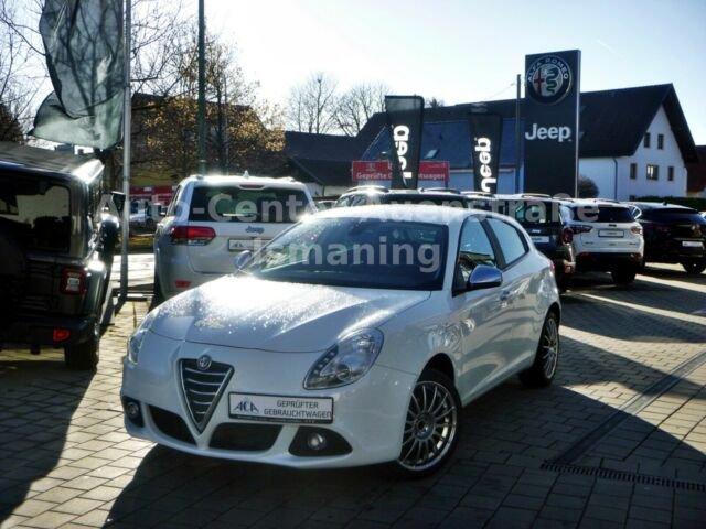 """Alfa Romeo Giulietta 1.4 TB """"Super"""" DAB 5"""" PDC *Klima*, Jahr 2014, Benzin"""