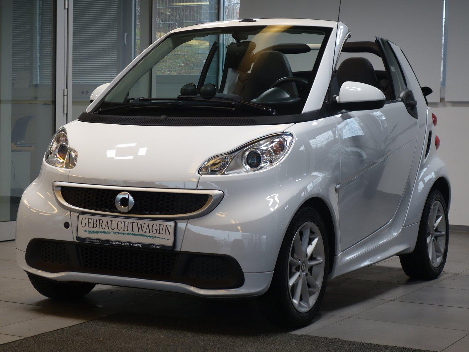 smart fortwo cabrio mhd Passion Servo Klima ISOFIX, Jahr 2013, Benzin