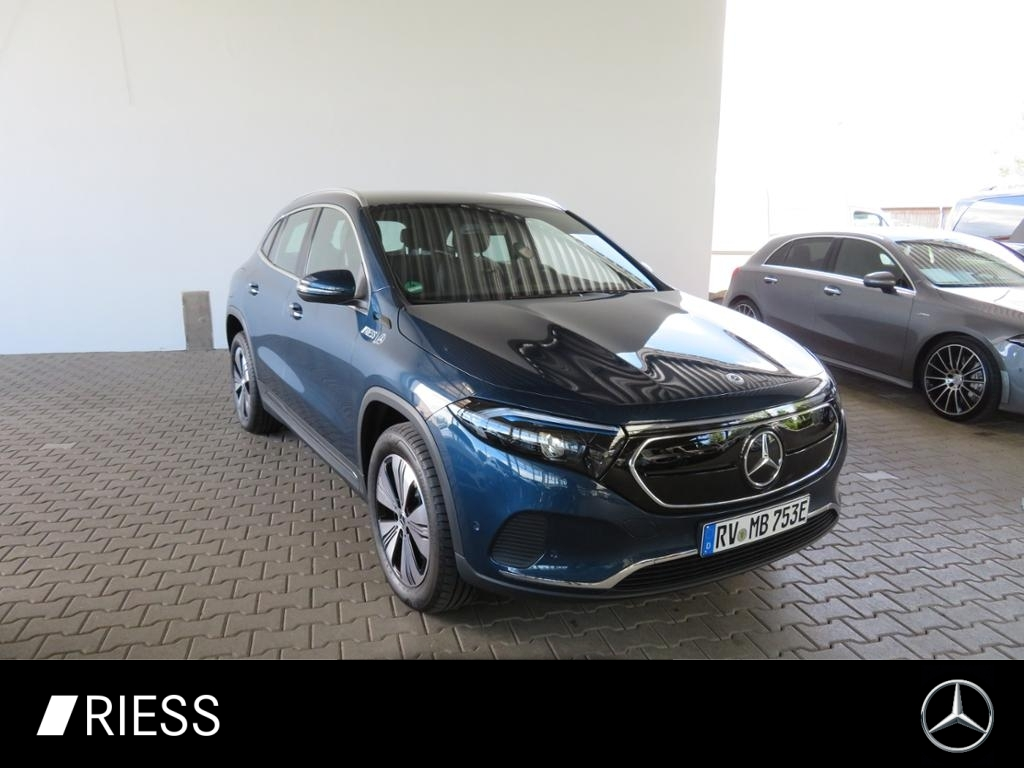 Mercedes-Benz EQA 250 PROGRESSIV+LED+AHK+KAMERA+EASYP+CARPLAY+, Jahr 2021, Elektro