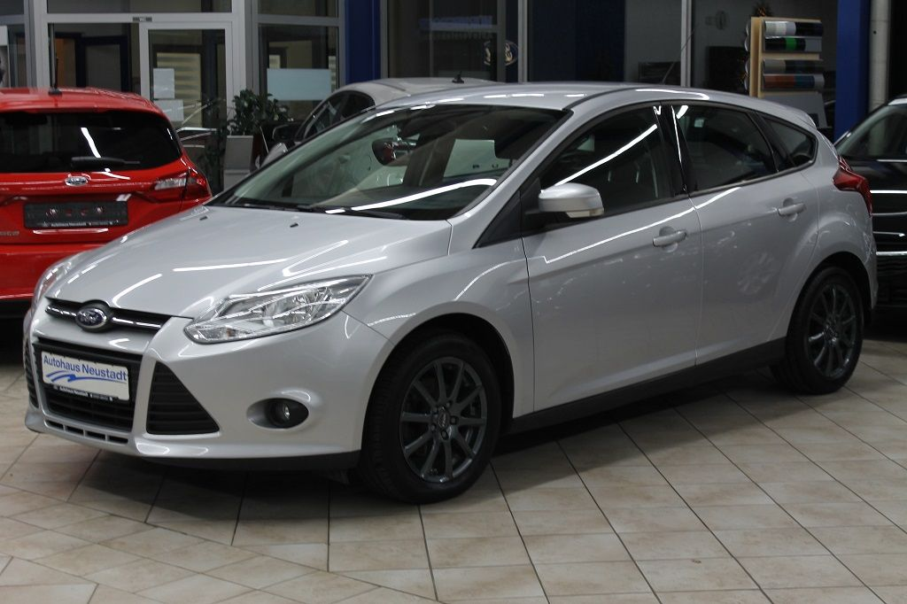 Ford Focus 1.6 TI-VCT Trend *Sitzheizung*Bluetooth*, Jahr 2013, Benzin