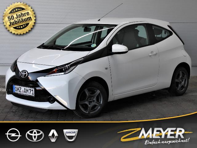 Toyota Aygo x-play Klimaanlage Bluetooth, Jahr 2015, Benzin