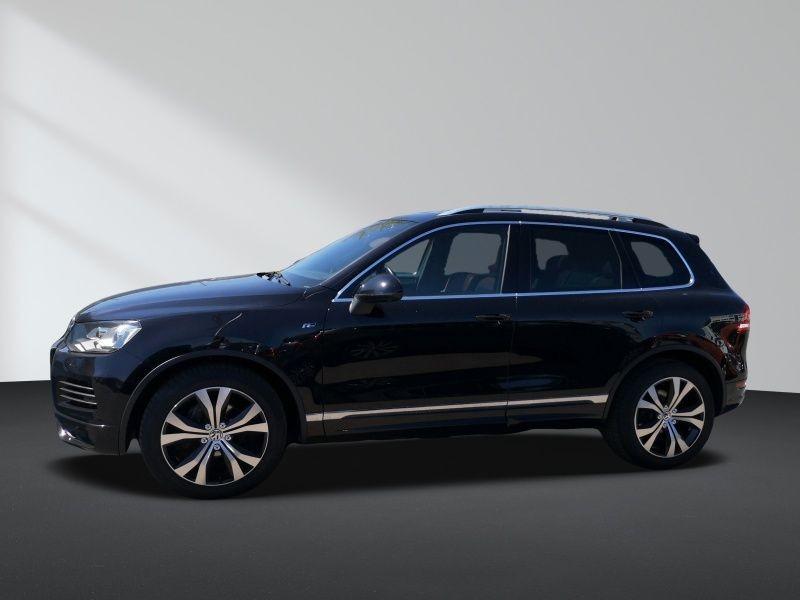 Volkswagen Touareg 3.0 V6 TDI Exclusive R-Line ACC P-Dach, Jahr 2013, Diesel