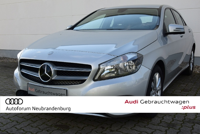 Mercedes-Benz A-Klasse A 180, LimHb 180 Style BlueEfficiency, Jahr 2013, Benzin
