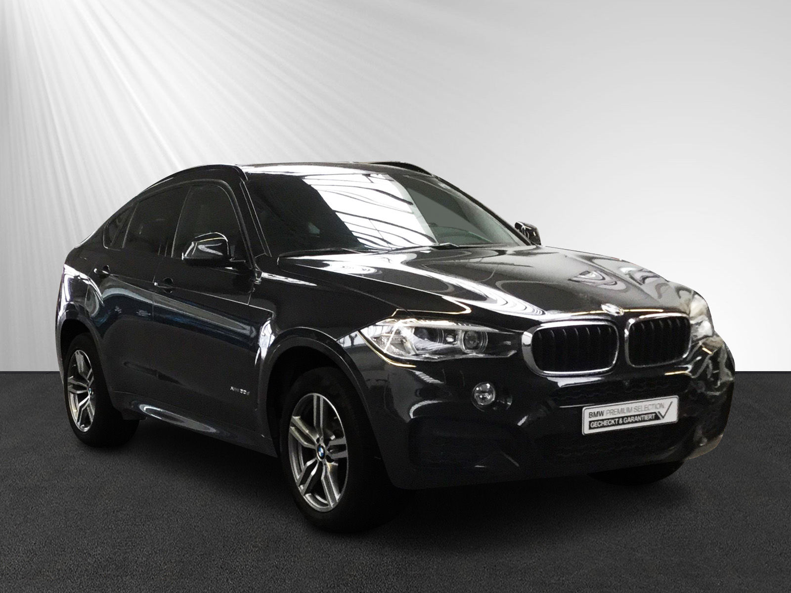 BMW X6 xDrive30d Aut. M Sport Glasdach Navi Sitzhzg, Jahr 2016, diesel