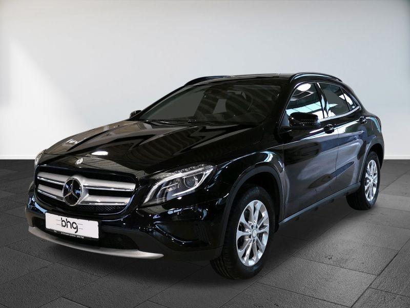 Mercedes-Benz GLA 250 7G-DCT Style, Jahr 2016, Benzin