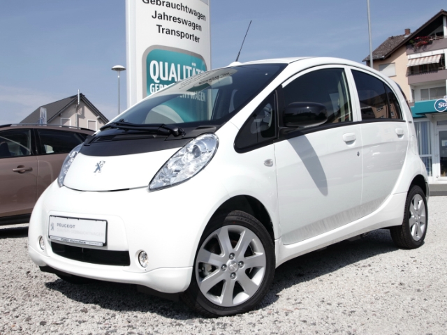 Peugeot iOn 100% elektrisch SHZ Klimaautom USB, Jahr 2018, Elektro