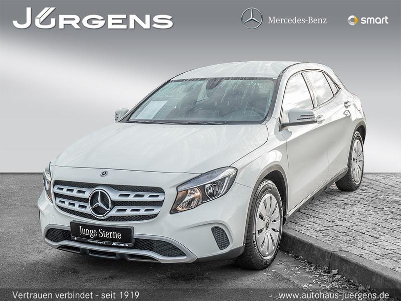 Mercedes-Benz GLA 180 d Sport Utility Vehicle Navi, Jahr 2017, diesel