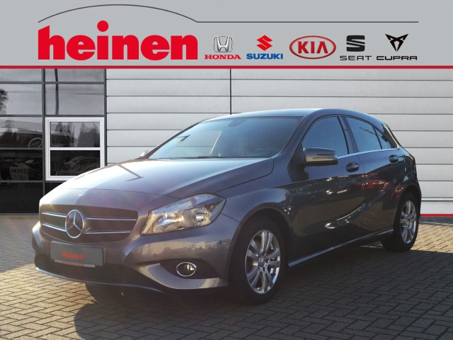 Mercedes-Benz A 180 -Klasse BlueEfficiency, Jahr 2013, Benzin