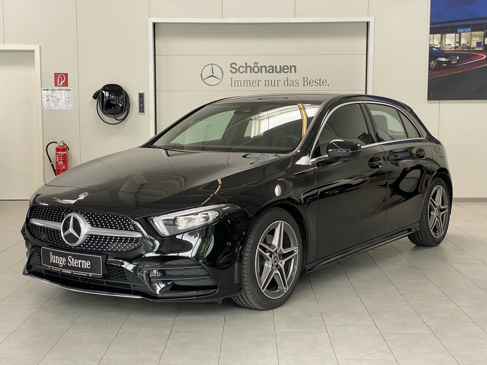 Mercedes-Benz A 200d AMG+KAMERA+MBUX+LED+NAVI PREMIUM+SPURASS., Jahr 2020, Diesel