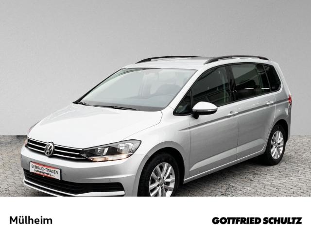 Volkswagen Touran 1.5 TSI NAVI 7 SITZER ACC MUFU Comfortline, Jahr 2019, Benzin