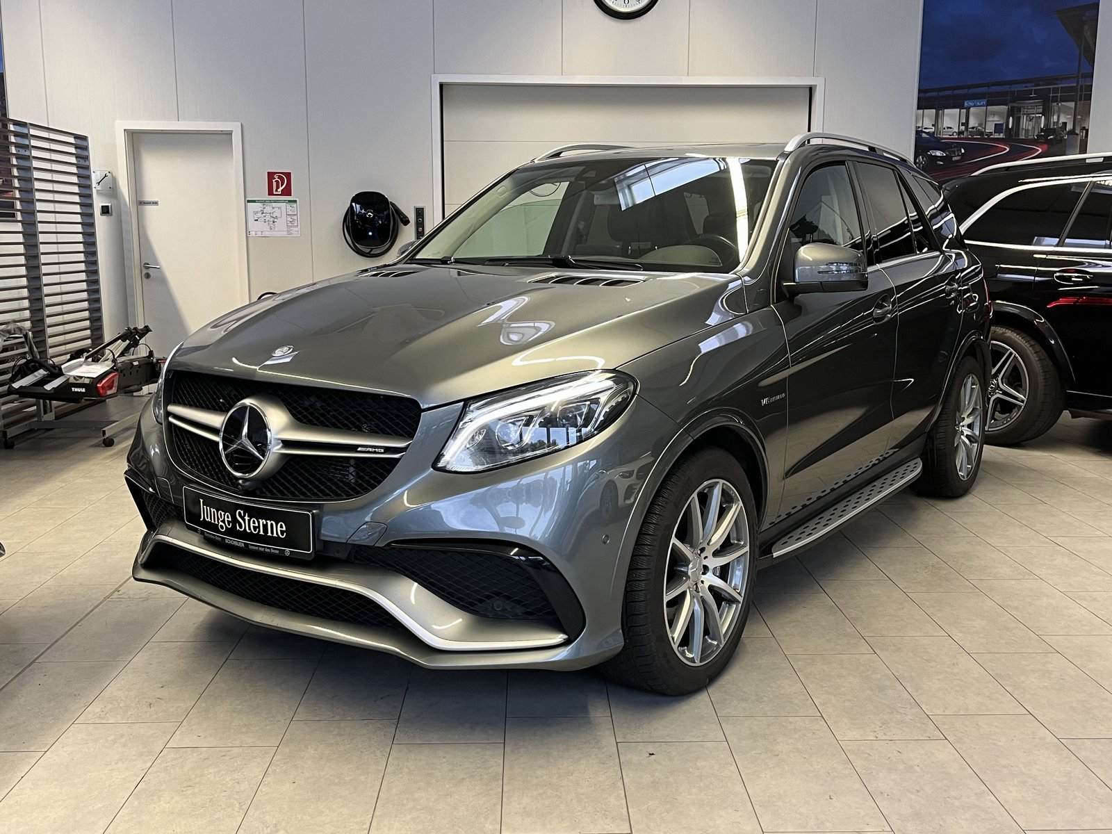 Mercedes-Benz Mercedes-AMG GLE 63 4M AIRMATIC+COMAND+DISTR+360, Jahr 2017, Benzin