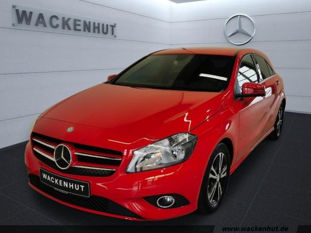 Mercedes-Benz A 180 STYLE KLIMA+PARKTR+SPIEGEL+SITZKOMF.-PAKET, Jahr 2014, Benzin