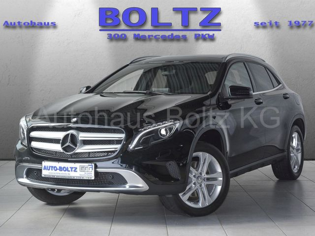 Mercedes-Benz GLA 250 Urban Pano Navi AHK Kamera Parkass SHZ, Jahr 2015, Benzin