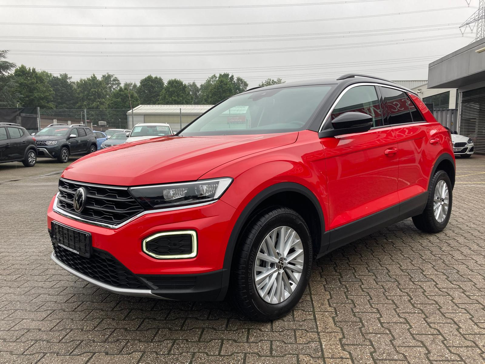 Volkswagen T-Roc 1.5 16V TSI DSG Style 10.786 KM 1. Hand, Jahr 2020, Benzin
