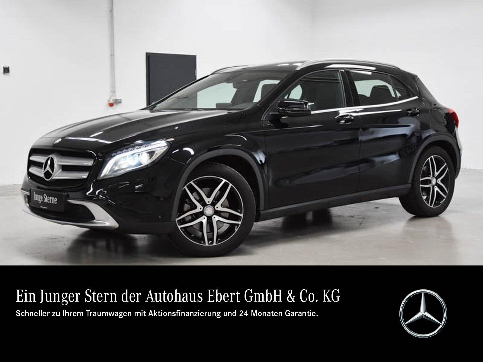 Mercedes-Benz GLA 250 Urban 7G+NAVI+PSD+RKF+BI-XENON+EASY-PACK, Jahr 2016, Benzin