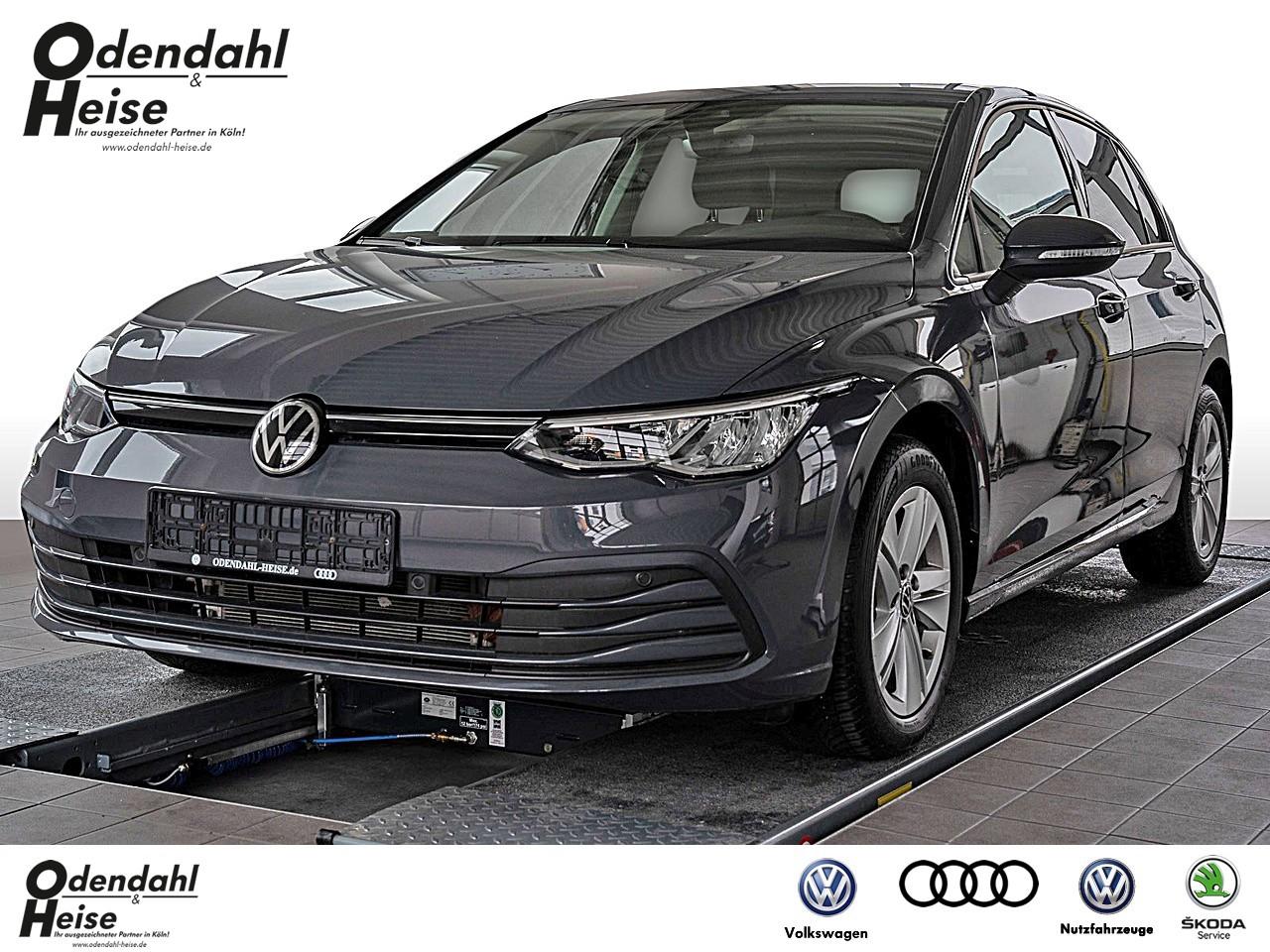 Volkswagen Golf VIII Life 1,5 l TSI Klima Navi, Jahr 2020, Benzin