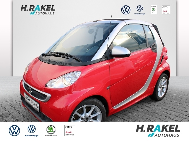 smart fortwo cabrio passion Cabriolet, Jahr 2014, Benzin