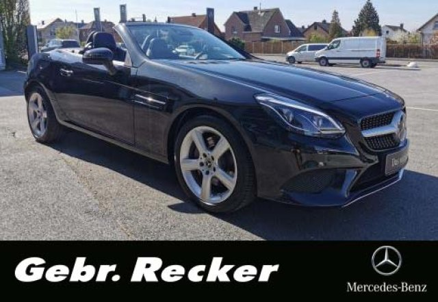 Mercedes-Benz SLC 200 9G Distronic LED ILS LEDER Panorama DAB, Jahr 2019, Benzin