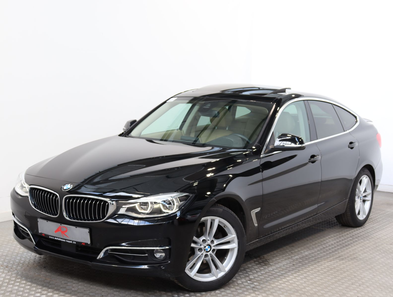 BMW 320 Gran Turismo LUXURY HUD,MEMORY,KEYLESS,LED, Jahr 2017, Diesel