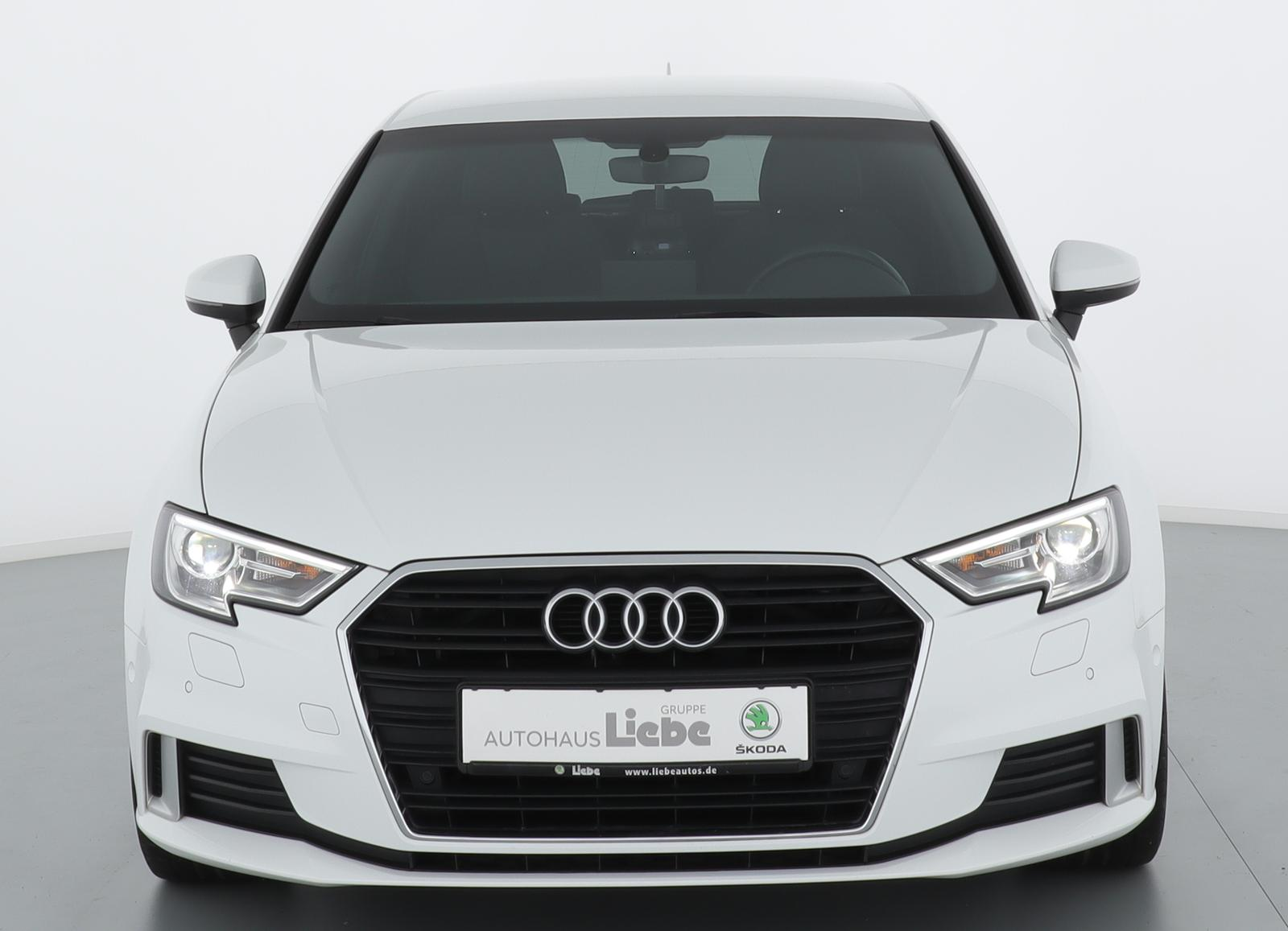 Audi A3 SPORTBACK 1.5TSI S-TRONIC S-LINE|NAVI|PDC-V+H, Jahr 2018, Benzin