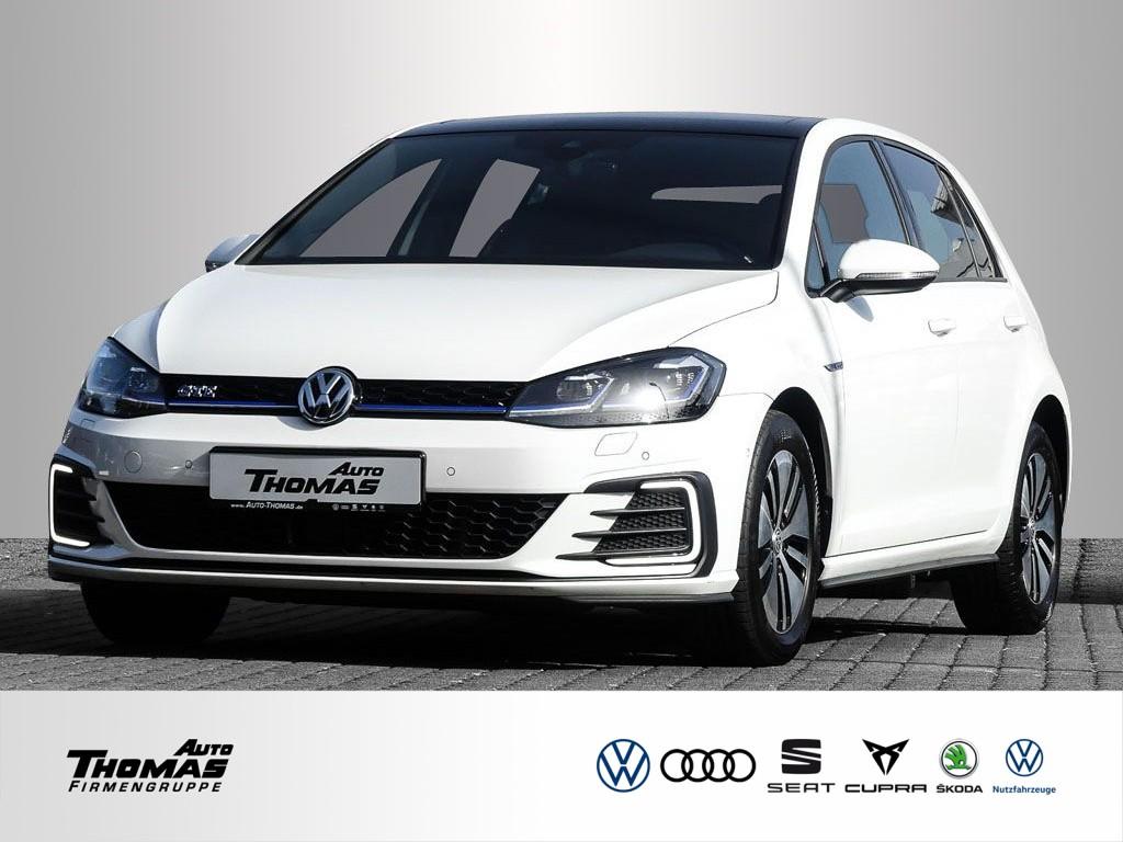 Volkswagen Golf VII GTE Plug-In-Hybrid 1.4 TSI DSG STDHZG, Jahr 2017, Benzin